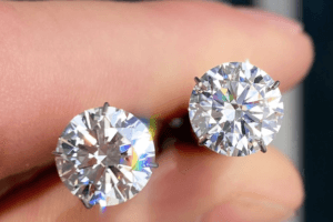 5 Differences Between Moissanite and Diamond